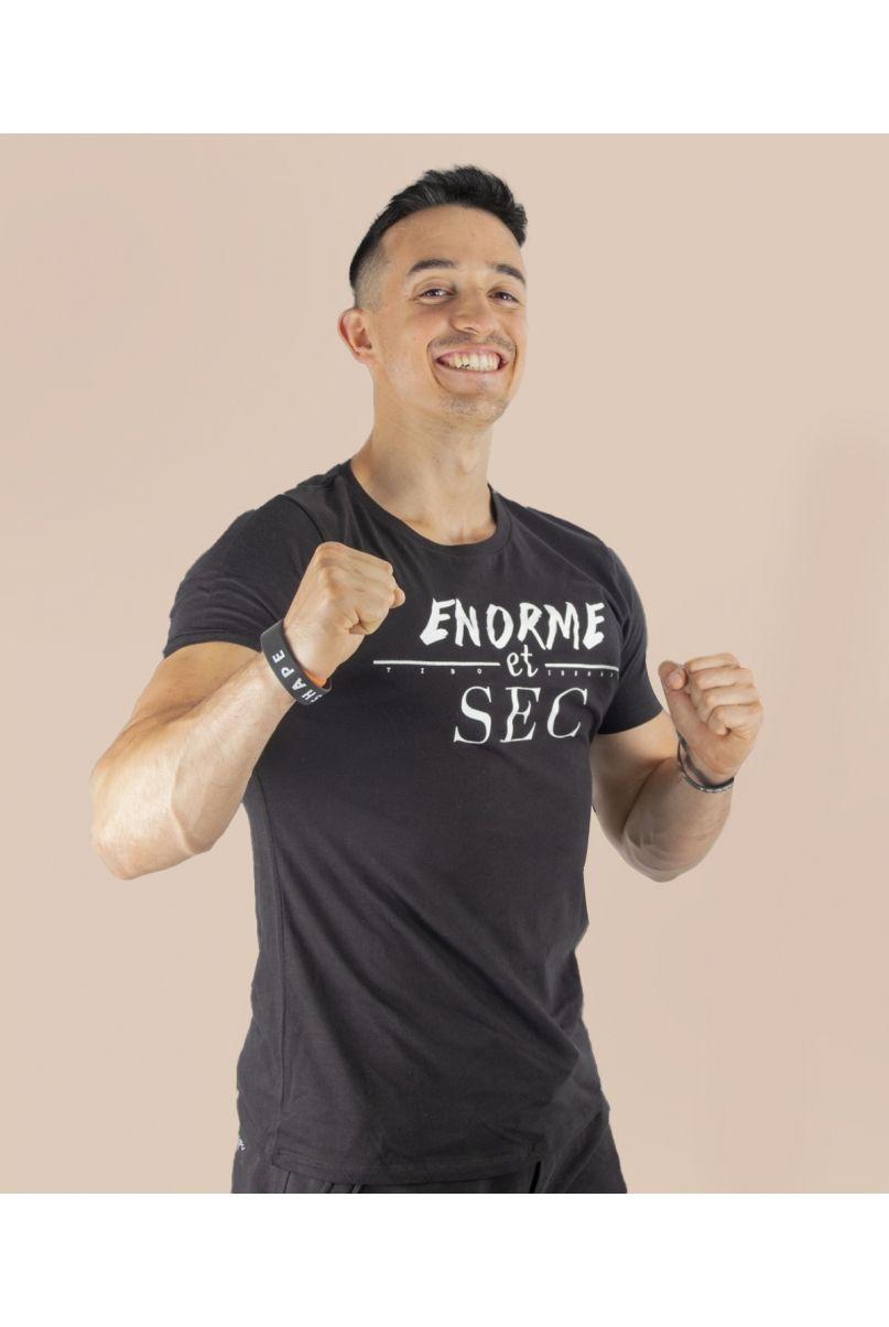 T-Shirt Noir Enorme et Sec